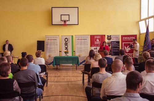 """Kampania edukacyjna """"DOBRY MONTAŻ"""" - klasy patronackie w szkołach zawodowych"""
